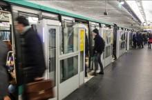 Une panne informatique inconnue a paralys� la ligne 1 du m�tro parisien