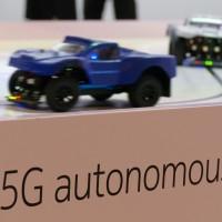 Avec sa faible latence, la 5G devrait profiter aux communications entre voitures autonomes et connectées.