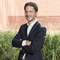 Jean-Baptiste Plagne, qui dirige la division IT de Schneider Electric mise sur les incentive  pour pousser ses partenaires à adresser des projets cloud et edge computing. (crédit photo : Schneider Electric)
