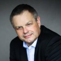 Jack Mandard est le fondateur et dirigeant de Compubase, un cabinet spécialisé dans les études concernant le monde des services et de la distribution IT.