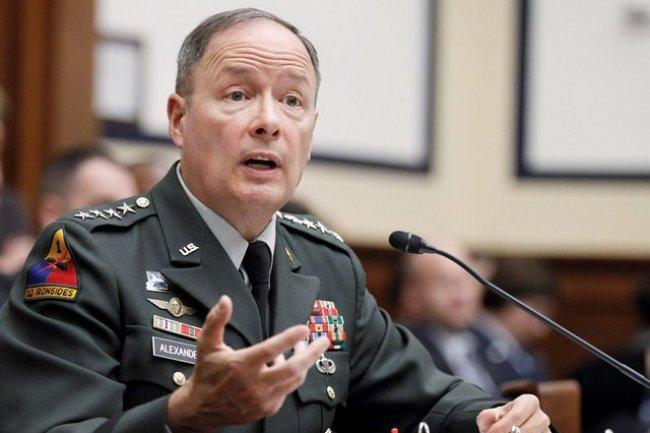 Le patron de la NSA, le général Keith B. Alexander,a demandé l'aide des hackers pour sécuriser le cyberespace; crédit D.R.
