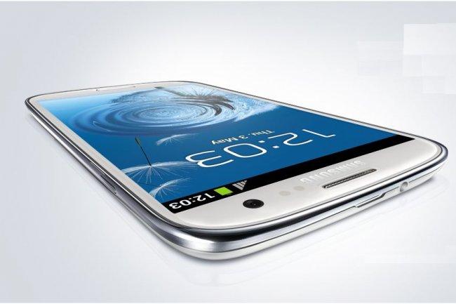 Parmi les �v�nements qui ont marqu� 2012 figure la victoire d'Apple contre Samsung (ci-dessus le Galaxy S3) dans la guerre de brevets qui opposent les deux fabricants de smartphones.