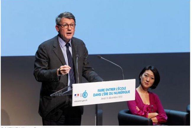 En décembre dernier, Vincent Peillon, ministre de l'Education nationale, a tenu conférence sur l'entrée de l'école dans l'ère numérique, en présence de Fleur Pellerin, ministre délégué à l'économie numérique.