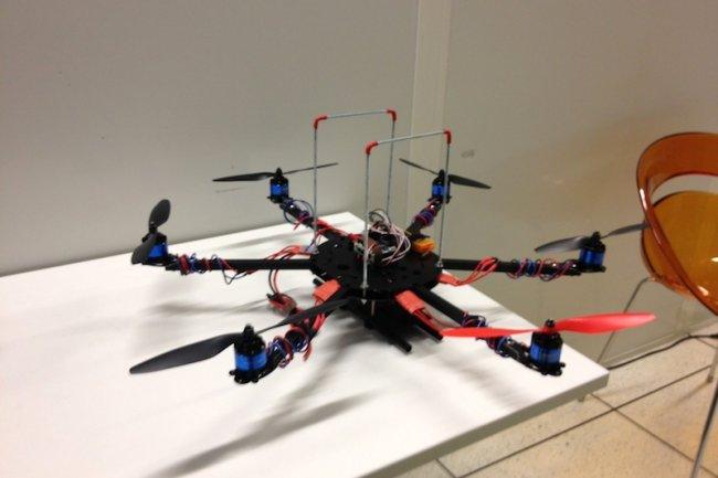 Un des drones LTE développé par Supelec et l'équipe de Vinod Kumar