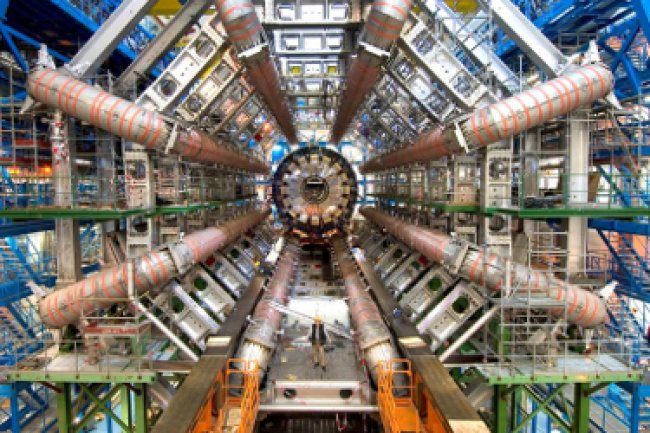 Le LHC au Cern Crédit Photo : CERN