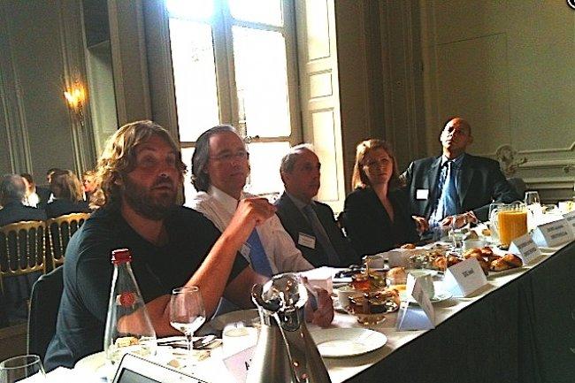 De gauche à droite, Nicolas Sadirac (42), José Diz (CPI-B2B), Fabrice Bardèche (Ionis), Anissa Deal (Accenture), Geoffrey Burns (Capgemini). Crédit : D.R.