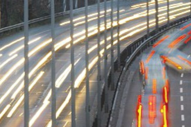 Le gouvernement américain travaille avec les constructeurs automobiles pour intégrer cette technologie d'interconnection V2