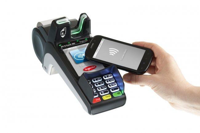 Un smartphone NFC et une carte SIM Orange suffisent pour utiliser le service de paiement sans contact Knix de BNP Paribas. Cr�dit Ingenico.