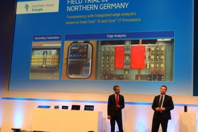 Hannes Schwaderer d'Intel et Detlef Gieselmann de Westfalen Weser Energie sur scène au Cebit 2014. Crédit Peter Sayer/IDG NS