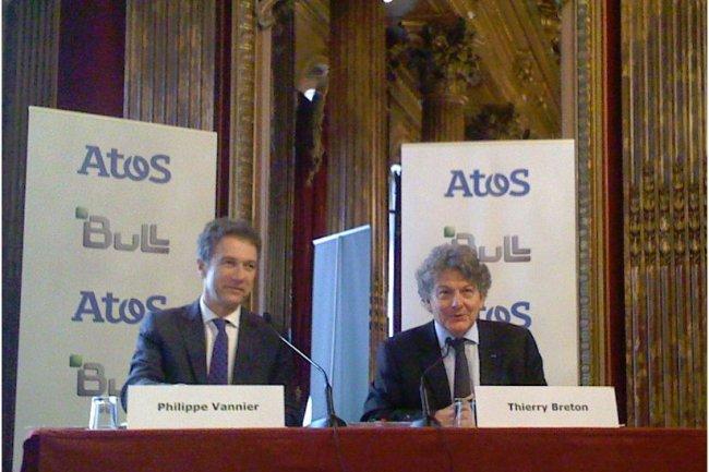 Philippe Vannier (à gauche), PDG de Bull, et Thierry Breton, PDG d'Atos, lors de leur conférence commune le 26 mai dernier. (crédit : LMI)