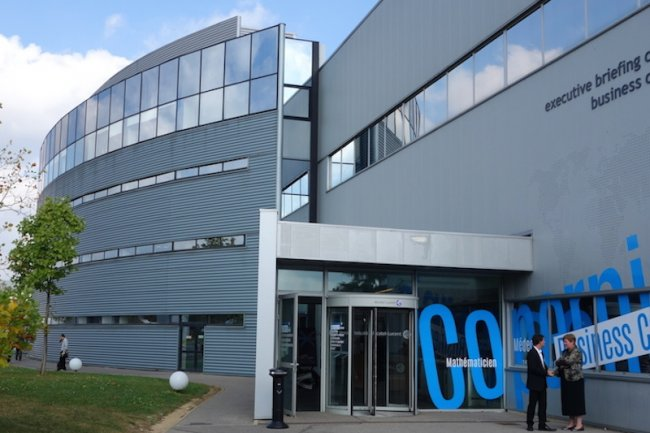 Les batiments de la Cité de l'Innovation d'Alcatel-Lucent à Nozay ont été rebaptisés avec des noms de scientifiques. (crédit : LMI)