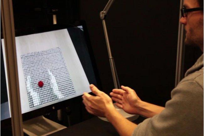 Dans le domaine de la conception industrielle et de la simulation, InFORM (Tangible Media Group, MIT Media Lab) est l'un des projets primés sur Laval Virtual 2014. Il permet d'interagir avec l'affichage d'une forme dynamique. (crédit : D.R.)
