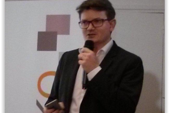 Arnaud Rayrole, PDG du cabinet Lecko, a pr�sent� les principaux enseignements du Tome 7 de son �tude sur les r�seaux sociaux d'entreprise. (cr�dit : D.F.)