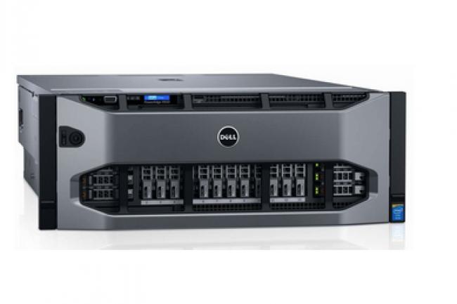 Le R930 peut accueillir 32 SSD et 8 cartes PCIe flash NVMe. (crédit : D.R.)