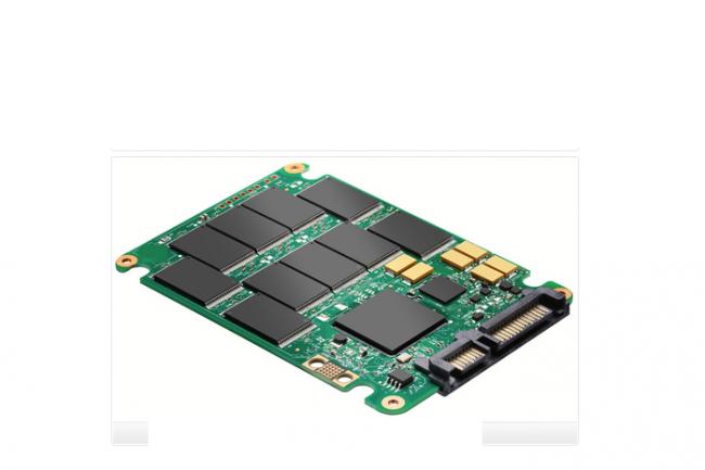 Au dessus de 40°, les cellules flash des SSD hors tension commencent à perdre des données. (Crédit D.R.)