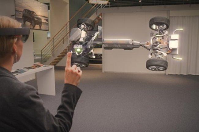 Volvo mise sur les lunettes HoloLens pour augmenter l'expérience chez les concessionnaires. (Crédit D.R.)