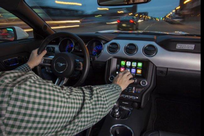 Ford se lance dans la bataille de la voiture connect�e en annon�ant le support des logiciels embarqu�s CarPlay et Android Auto dans ses voitures. (Cr�dit: Ford)