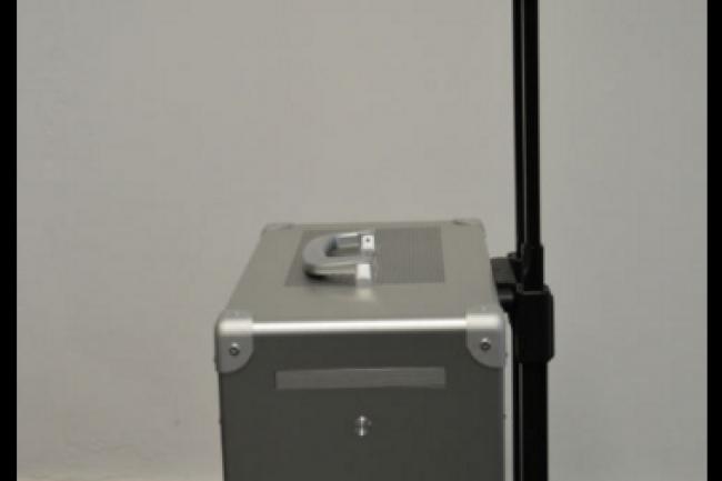 Le dernier n� du fabriquant Fra-Sys embarque les �l�ments de la station de travail Perfor E5 dans une mallette. (Cr�dit D.R)
