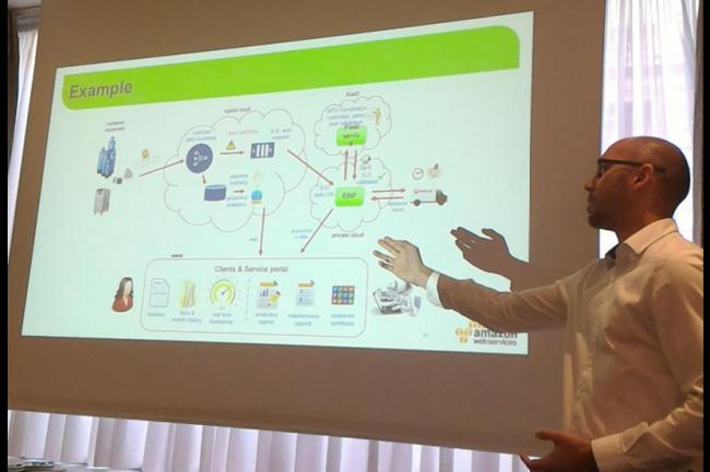 Alexandre Saulnier, responsable de la transformation digitale de Veolia Water Technologies, a pr�sent� un sch�ma du projet IoT men� par l'entreprise. (cr�dit : D.F.)