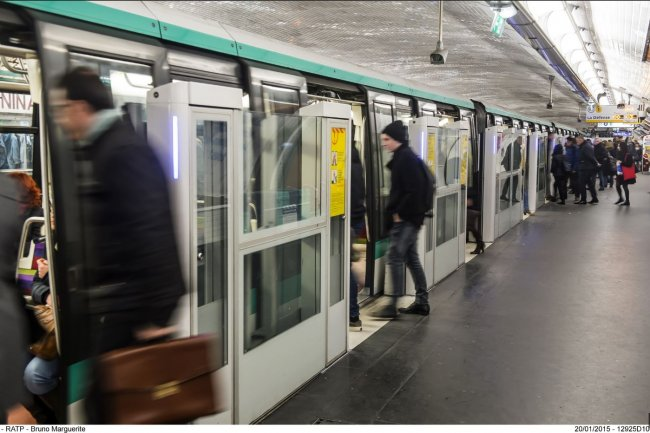 Des milliers d'usagers de la Ligne 1 du m�tro parisien ont vu leur trajet perturb� vendredi dernier, certains �tant rest�s bloqu�s de 1 � 2 h dans les rames. (cr�dit : RATP/Bruno Marguerite)