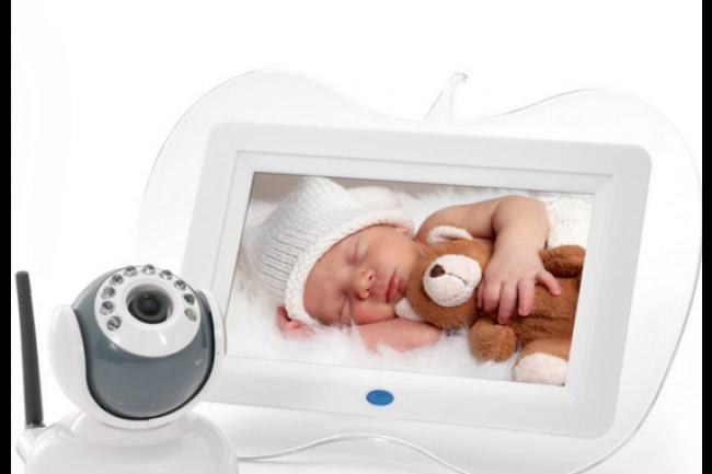 Les babyphones connectés, nouveaux cauchemards des parents ? (crédit : D.R.)