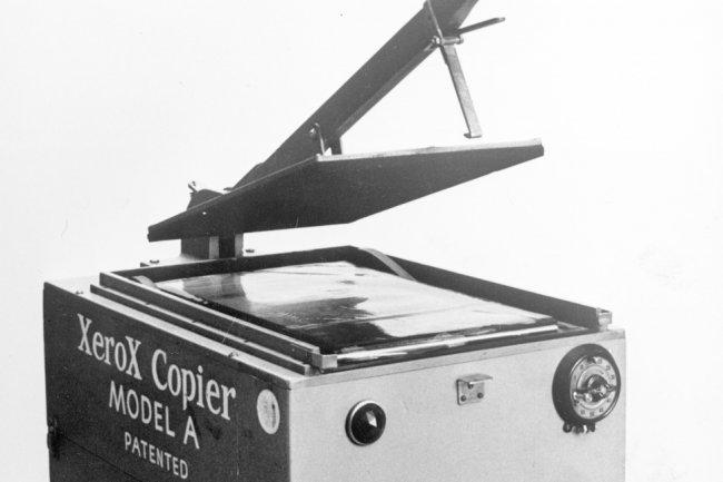 En 1949, Xerox sortait une machine capable de copier un document sans utiliser de carbone.