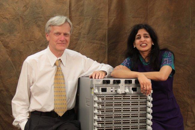 Andy Bechtolsheim, président d'Arista Networks au coté du CEO de la start-up Jayshree Ullal. (Crédit D.R.)