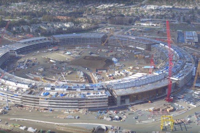 Apple a rachet� des terrains � HP pour batir son nouveau quartier g�n�ral � Cupertino con�u par Norman Foster.