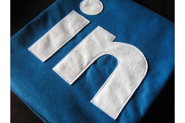 LinkedIn d��oit les analystes, sa valeur chute en bourse.