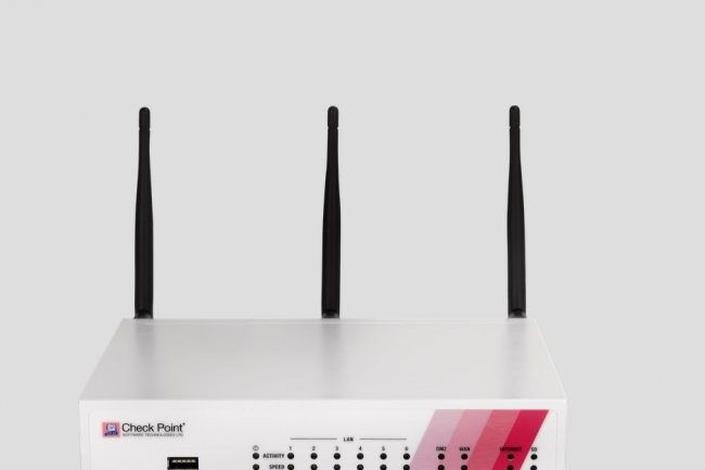 Les boitiers 730 et 750 de Check Point sont proposés avec ou sans WiFi.