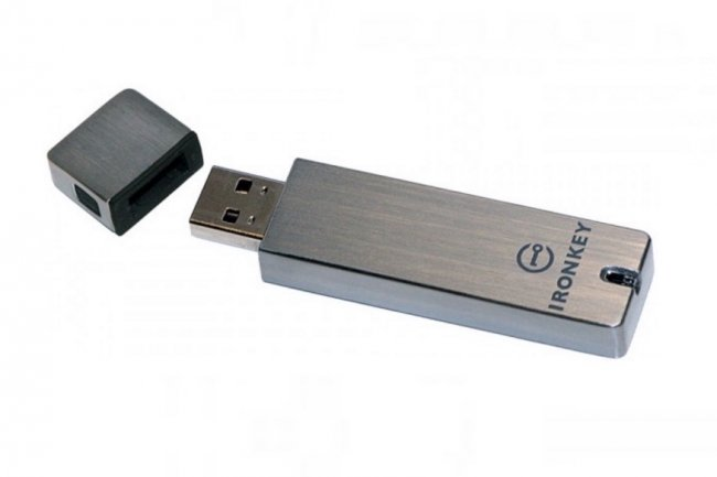 Particuli�rement robustes, les clefs USB chiffr�es d'IronKey arrivent au catalogue de Kingston. (cr�dit : D.R.)