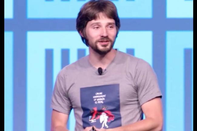 Le fondateur et CTO de Docker, Solomon Hykes, ne pensait sans doute pas soulever un vent de polémique en annonçant la bascule d'Ubuntu vers Alpine en tant qu'environnement par défaut du célèbre système de conteneur. (crédit : IDGNS)