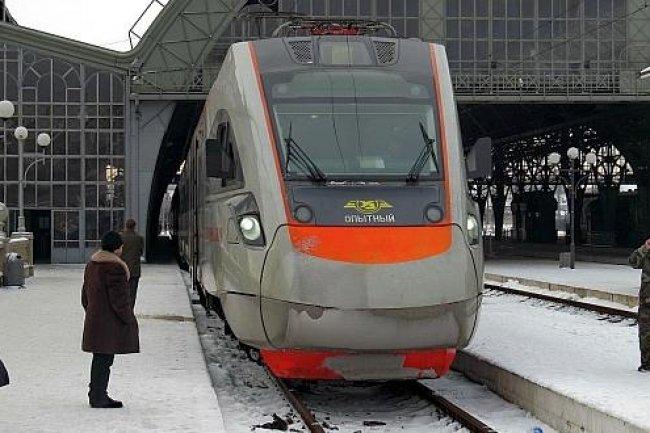 Une compagnie ukrainienne de chemin de fer a été ciblée par des cyber-pirates russes avant les attaques contre les centrales électriques. (Crédit D.R.)