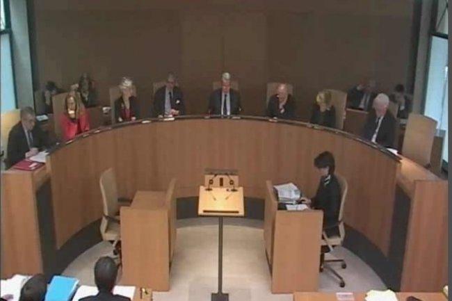 Les membres du Conseil Constitutionnel, le jour de la d�cision portant sur les saisies r�alis�es lors d'une perquisition administrative. (cr�dit : D.R.)