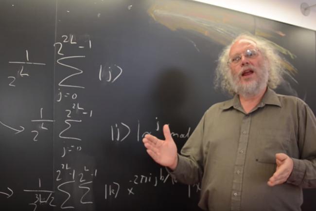 D'après le MIT, il est possible de faire facilement évoluer l'algorithme quantique de Shor, du nom de son créateur Peter Shor, afin de décupler ses capacités. (crédit : D.R.)