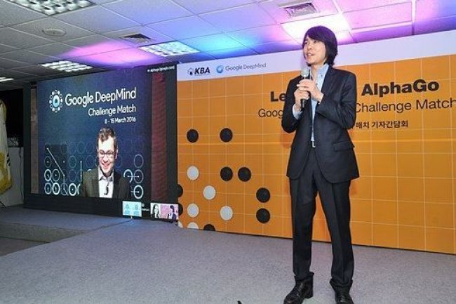 Le joueur de Go sud-coréen Lee Se-Dol va se mesurer avec le programme AlphaGo de Google Deepmind au cours de cinq matches. (crédit : gogameguru.com)