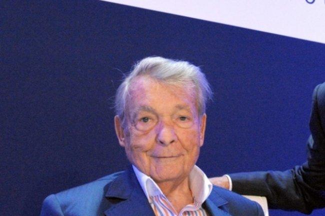 Depuis son départ opérationnel en 2012, Serge Kampf était resté président d'honneur et vice-président du conseil d'administration de Capgemini.