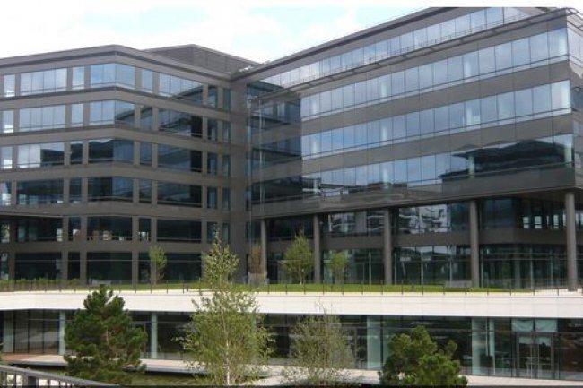 Depuis 1992, les plans sociaux se succ�dent entra�nant des d�parts, volontaires ou non, dans les rangs de la filiale fran�aise d'IBM. (ci-dessus, le si�ge social de Bois-Colombes)
