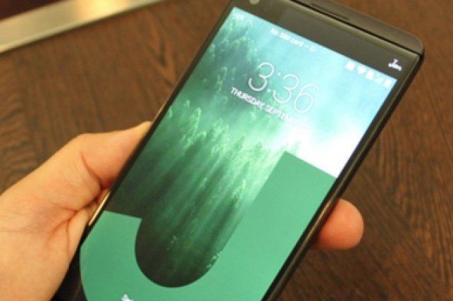 lg v20 un smartphone affut pour contrer l 39 iphone 7 plus le monde informatique. Black Bedroom Furniture Sets. Home Design Ideas