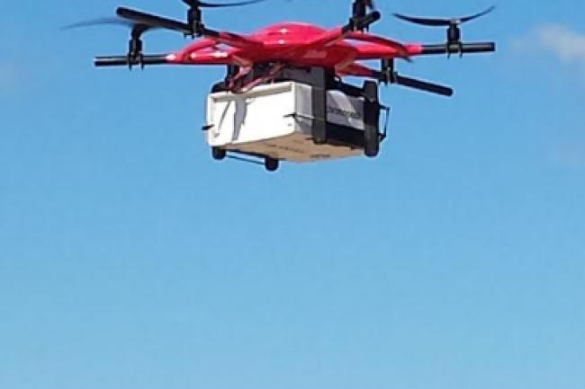 la poste ouvre une ligne commerciale de livraison par drone le monde informatique. Black Bedroom Furniture Sets. Home Design Ideas