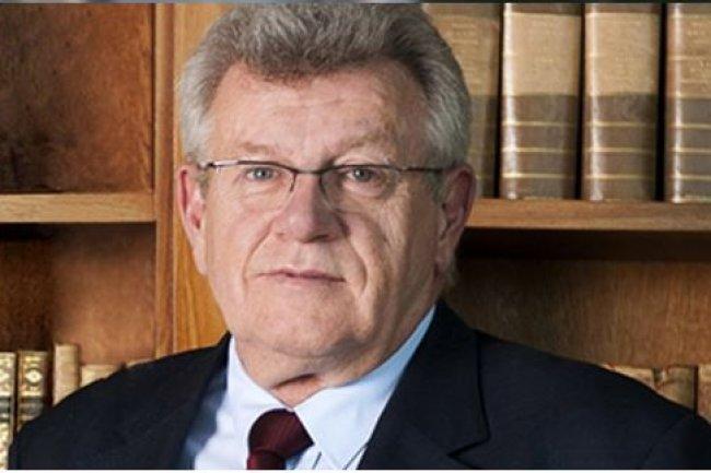En généralisant la facturation électronique avec la sphère publique, l'Etat espère faciliter la vie des entreprises, souligne Christian Eckert, secrétaire d'Etat chargé du Budget et des Comptes publics. (crédit : D.R.)