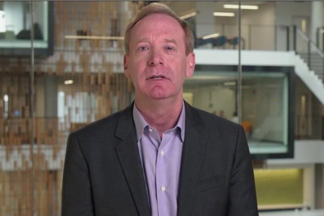 Dans une vidéo, Brad Smith, président et directeur juridique de Microsoft, explique comment le programme Azure IP Advantage peut aider les clients d'Azure à protéger leurs développements. (Crédit : D.R.)