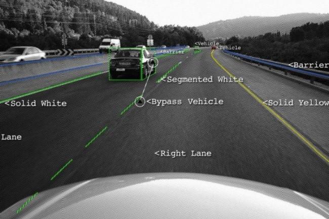 Les systèmes avancés d'assistance à la conduite permettent aux véhicules de détecter des objets alentour et de naviguer par eux-mêmes dans le trafic. (crédit : Mobileeye)