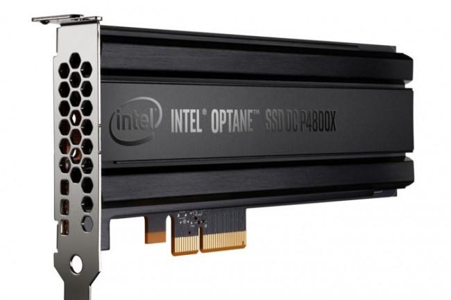 Commercialisée 1520 $ HT, la carte PCI/NVMe DC P4800X d'Intel exploite la technologie 3D Xpoint/Optane. (Crédit D.R.)