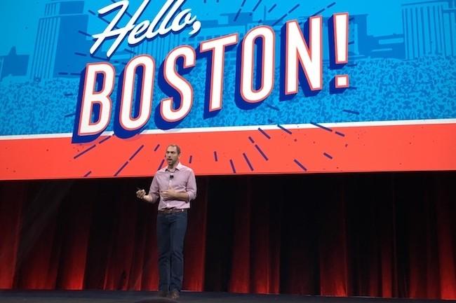 Jonathan Bryce, le directeur opérationnel d'OpenStack, a souligné qu'en 2016 OpenStack avait eu le même taux d'adoption qu'AWS.