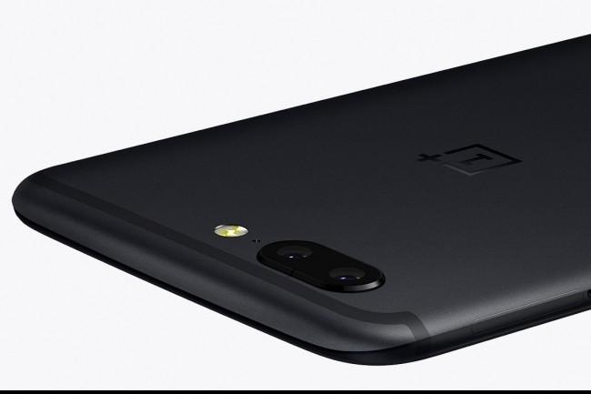 Le design du OnePlus 5 est clairement emprunté à l'iPhone 7, il y a pire comme modèle. (Crédit D.R.)