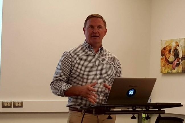 Gregg Holzrichter, CMO de Big Switch Networks, au siège de la start-up à Santa Clara. (crédit : S.L.)