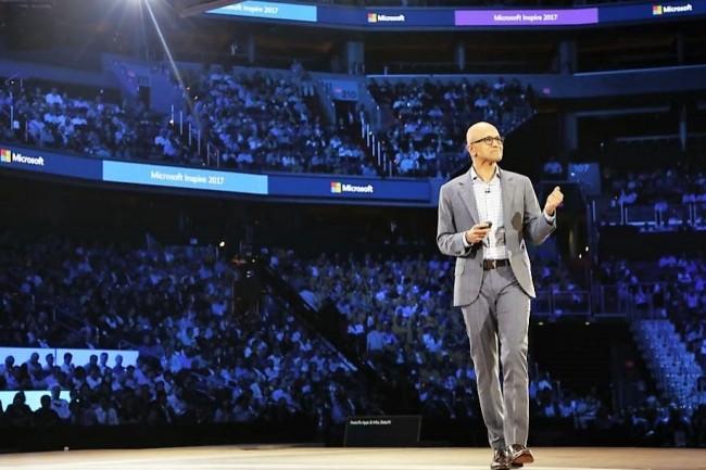 Satya Nadella, CEO de Microsoft, sur la scène de Inspire 2017 qui se tient du 9 au 13 juillet à Washington DC. (crédit : Microsoft)