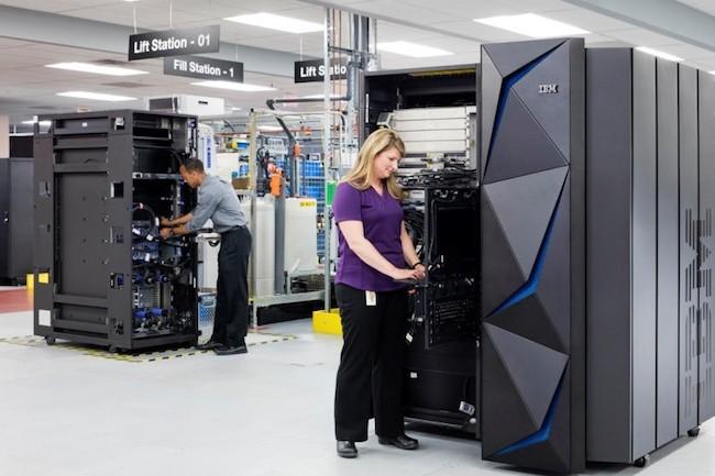 Le Systems z14 d'IBM vient répondre aux dernières demandes des clients et notamment le chiffrement de bout en bout des données. (Crédit: Connie Zhou pour IBM)