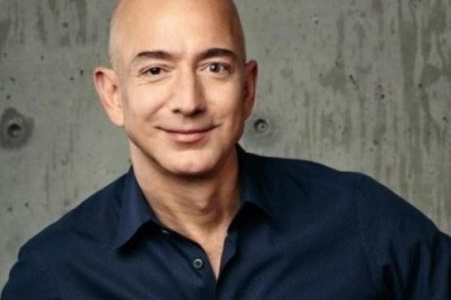A l'approche de l'annonce des résultats d'Amazon, son fondateur Jeff Bezos est temporairement devenu l'homme le plus riche du monde avec une fortune estimée à 92,3 milliards de dollars. (Crédit D.R.)
